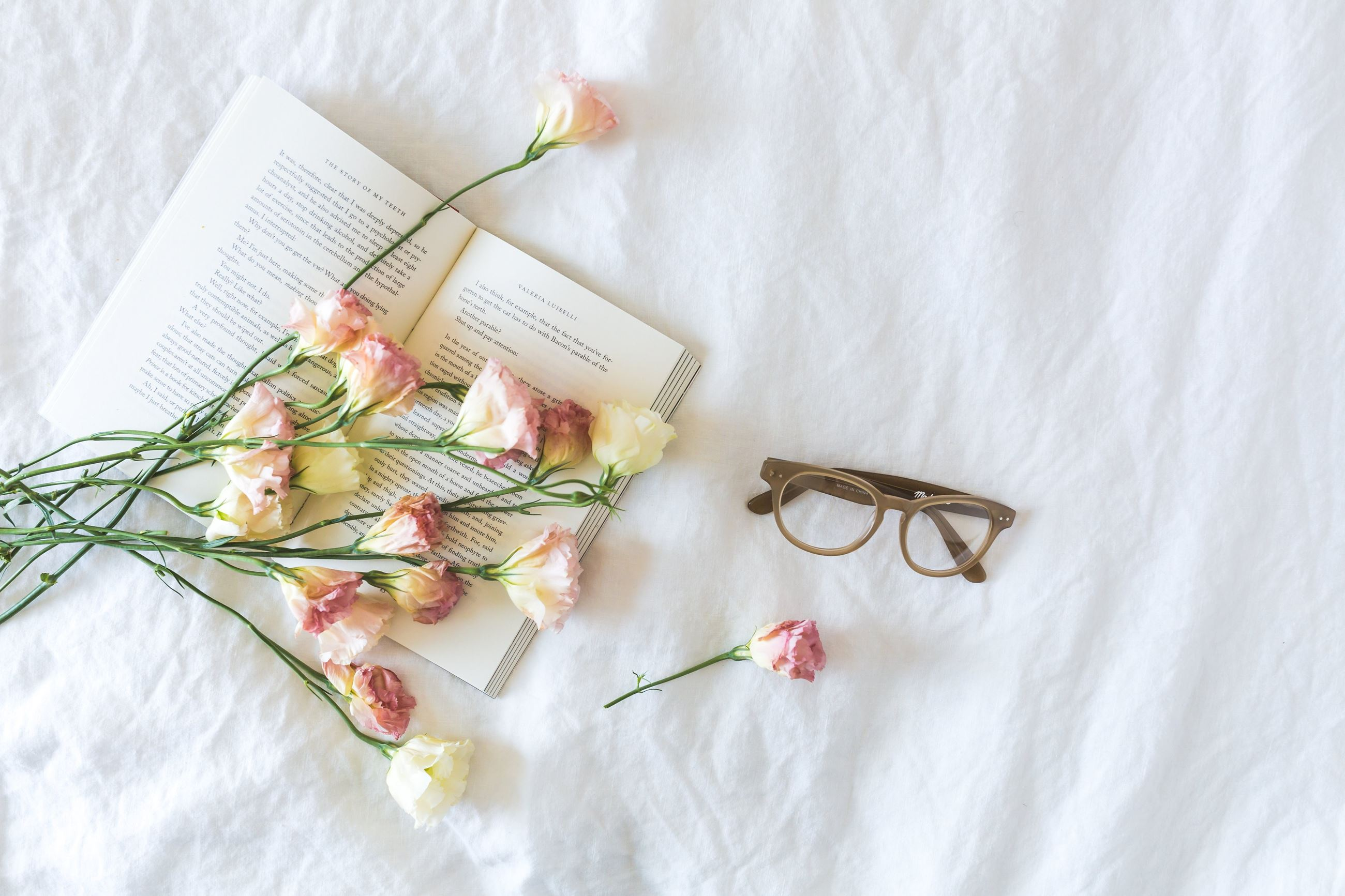 book with roses